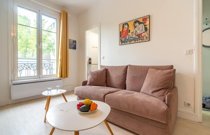 Charming Studio for 2, opposite of Parc des Buttes-Chaumont!
