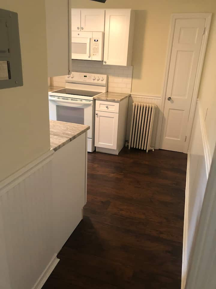 Best Location in West Hartford, private full apt