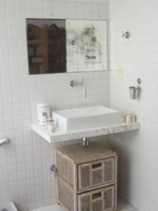 banheiro do quarto 1
