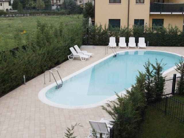 New flat near the lake with swimming pool - Peschiera del Garda - Lägenhet