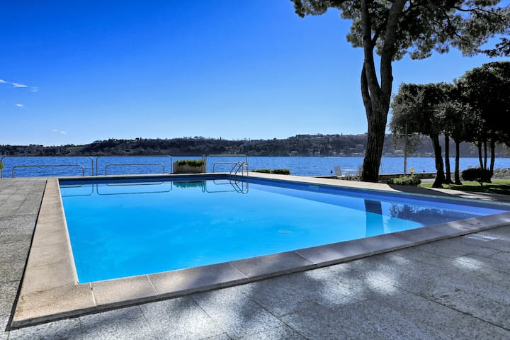 Casa Vistabella:Amazing flat with pool by the lake - Salò - Condominium