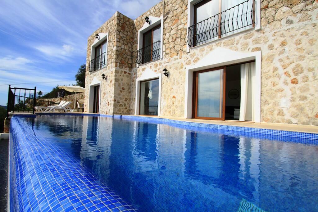 Large Villas To Rent In Kalkan