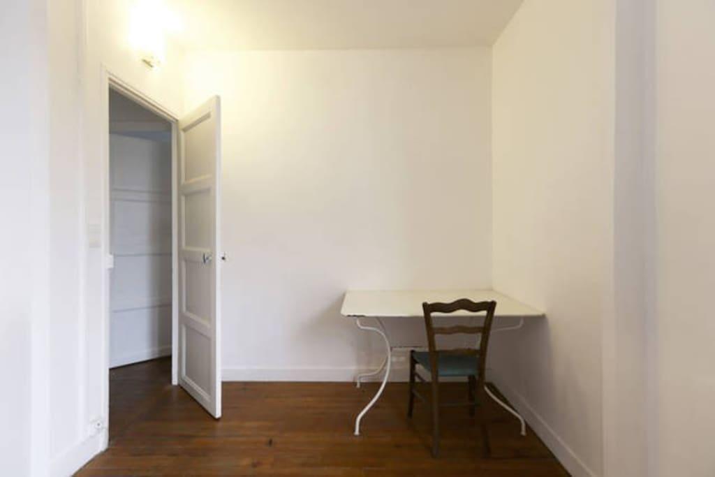Chambre meubl e 11m2 dans joli f4 appartements louer for Chambre 11m2