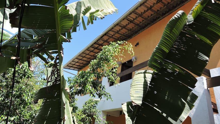 Kitnet com mezanino em Pituaçu