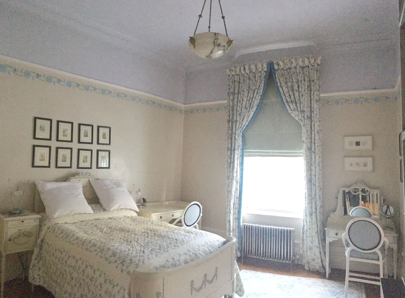 Large beautifully Furnished room