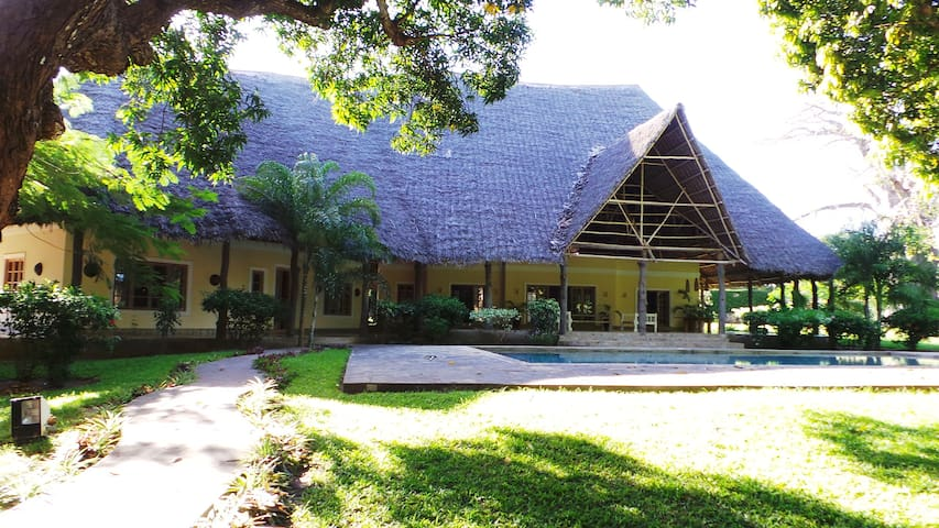Private House in a gated community - Malindi - House