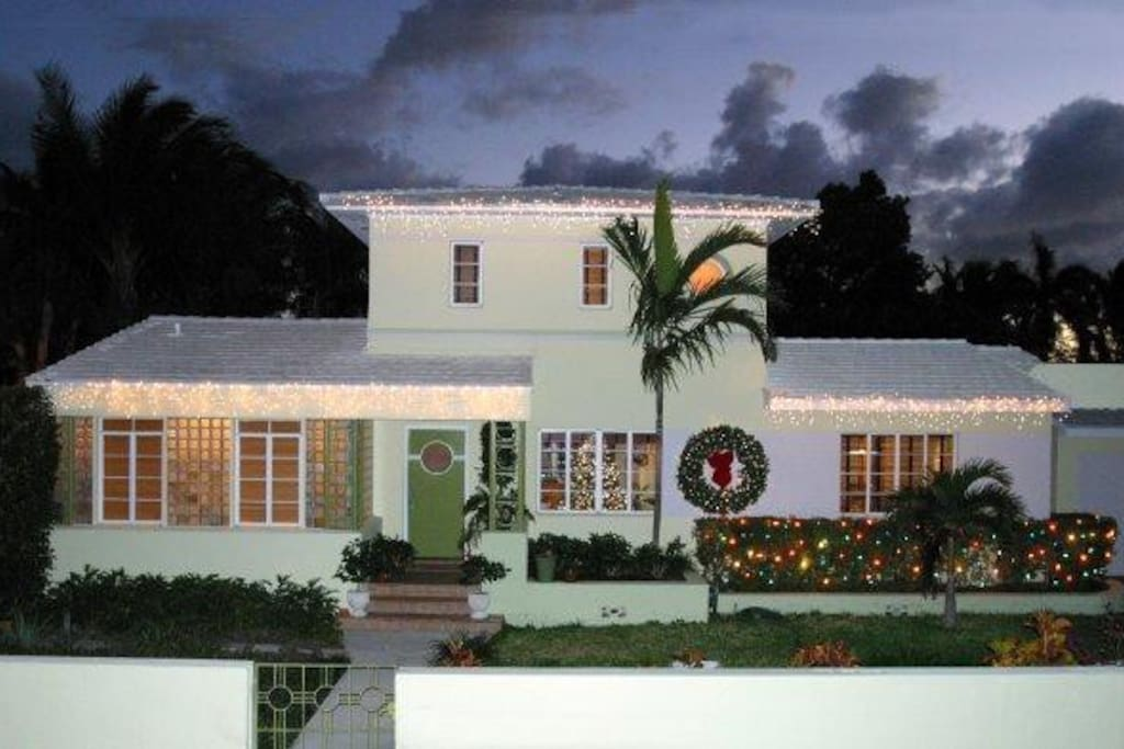 Christmas on Miami Beach (this is the front of the house)