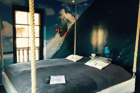 Themen-Apartment Surfbeach - Mettmann - Pis