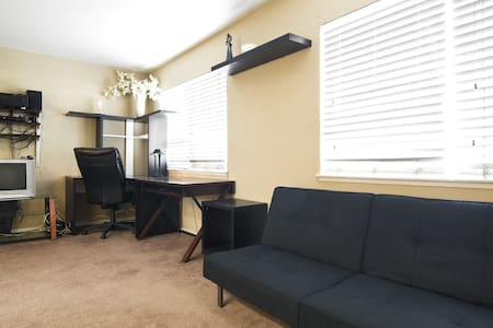 Fully loaded Studio - Fountain Valley