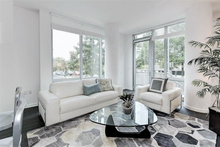 Upscale apartment home | 1BR in McLean