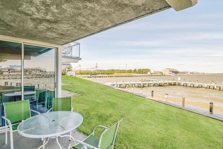 Monthly Rental - Bayfront! Gorgeous View! First Floor!