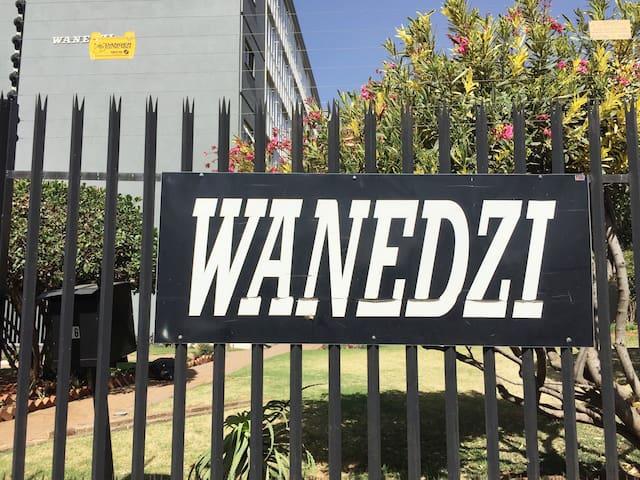 Wanedzi Building