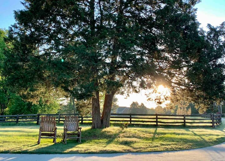 Regal Ranch Retreat *Dog & Horse Friendly*