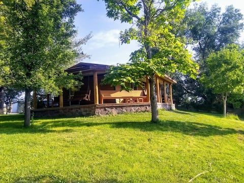 "River Ranch Retreat ""Cabin"""