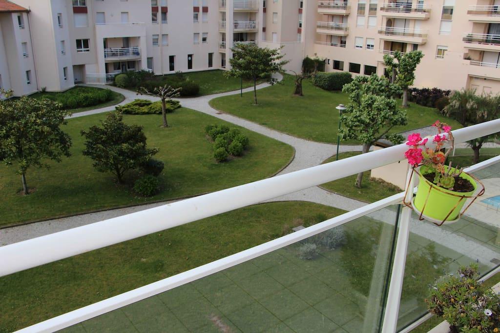 La terrasse donnant sur le jardin