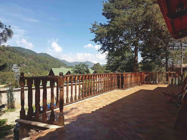 """Villa Marina """"hermosa cabaña al pie de la montaña"""""""