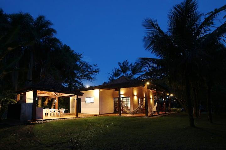 Tranquilidade em casa a 500m da praia de Paúba