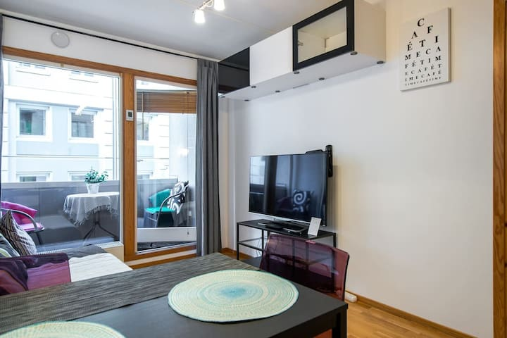 2-rooms flat + balcony, 10min from Central station