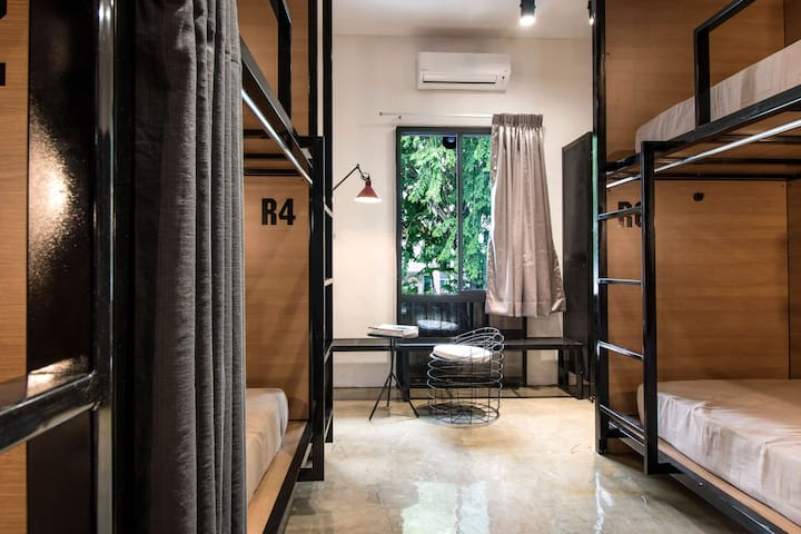 The Brownstone Hostel@ Ipoh-1 bed in 8 Mixed Dorm