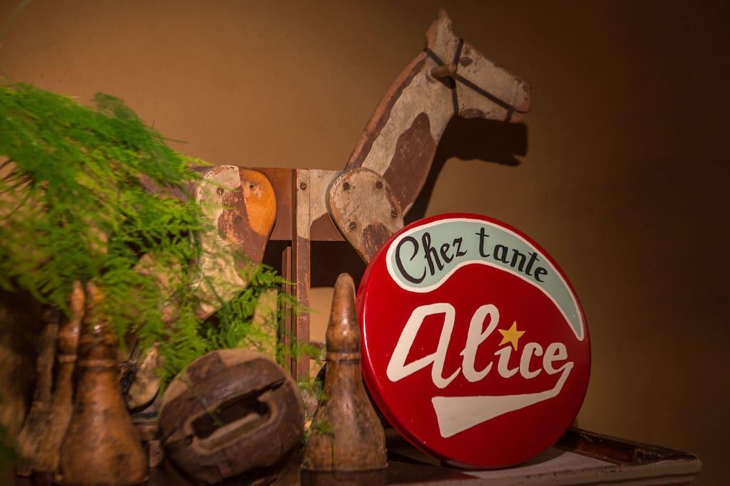 Bienvenue Chez tante Alice