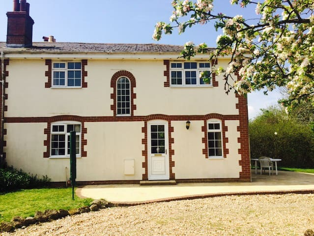Rural Country Cottage in Calbourne - Calbourne - Casa