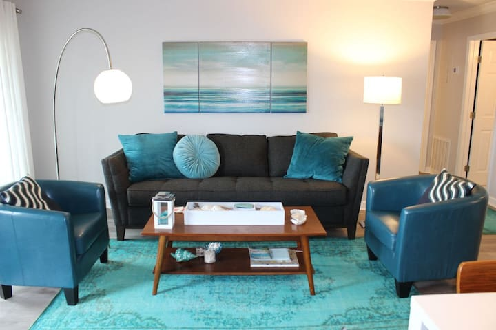 Sandpiper Cove 3100, Coastal Chic and Granite with Free Golf and Activities!