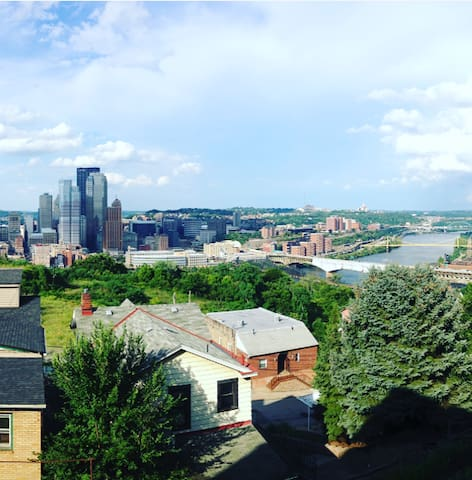 Cozy and spacious, gorgeous view--Mt. Washington - Pittsburgh - Apartemen