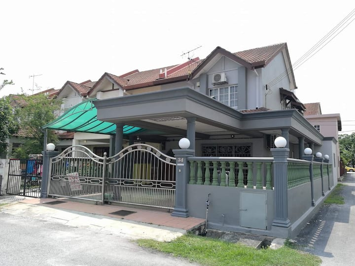 Spacious and Comfy Homestay (2-10 pax)