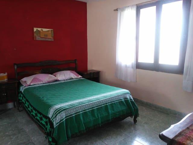 """Alquiler de habitación en """"La Casona"""""""