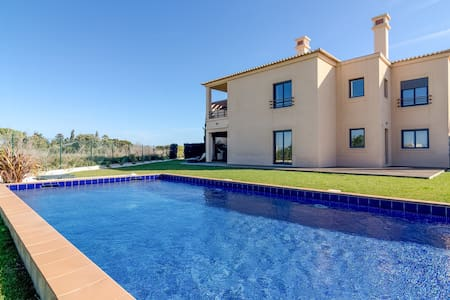 2 bedroom apartment with private garden and pool - Luz
