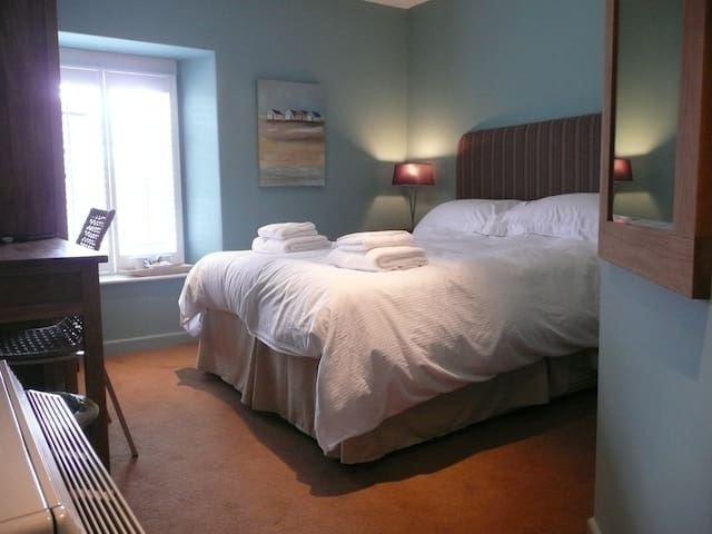 Castle Hotel Aberaeron - Aberaeron - Bed & Breakfast