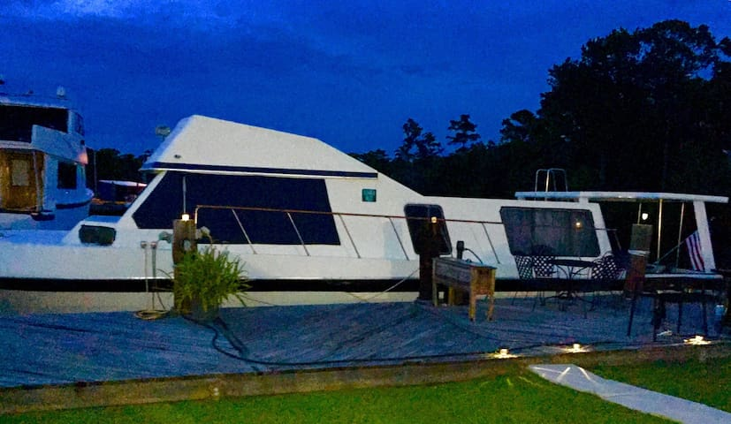North Star Yacht 45' on Tchefuncte River near NOLA - Madisonville - Boat