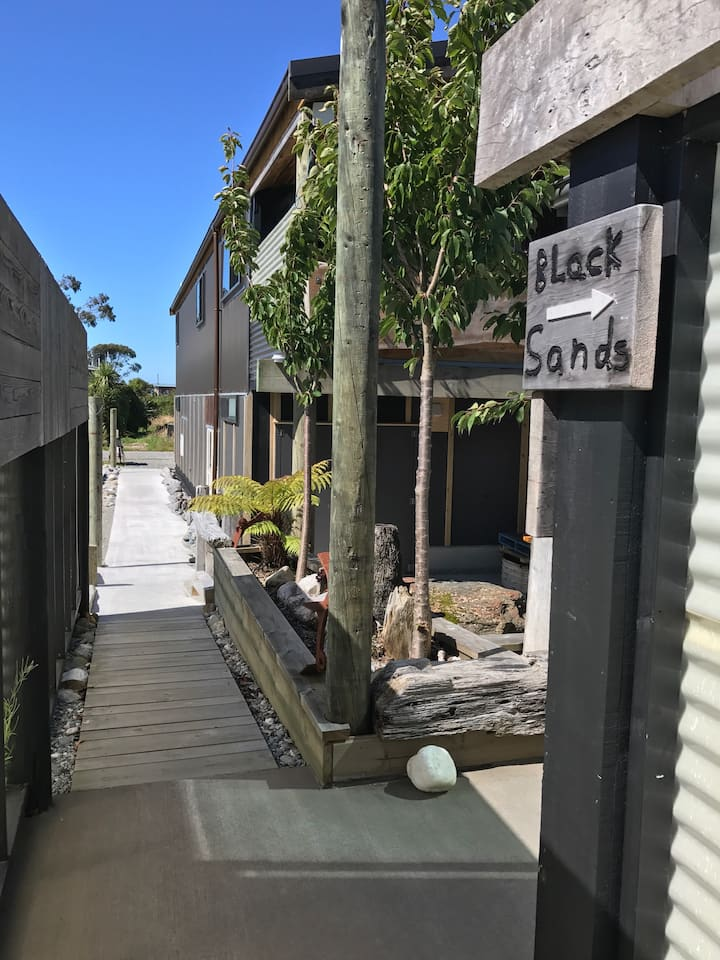 Okarito # Code Time Lodge - Black Sands Unit
