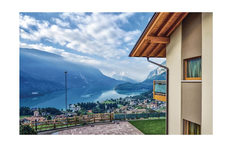 Holiday apartment with 2 bedrooms on 85 m² in Molveno -TN-