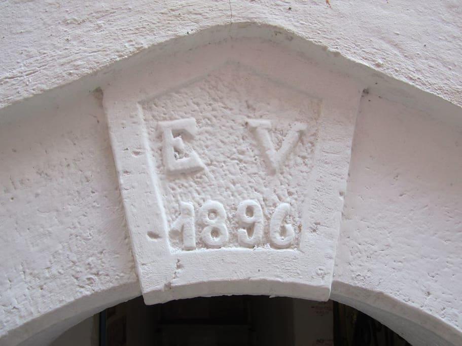 Arco d' entrata  data di costruzione 1896