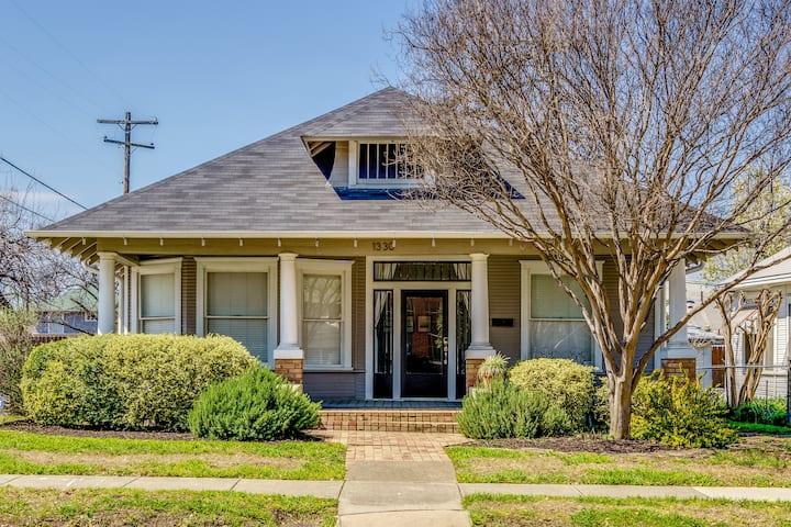 Spacious Home in Fairmount, 4 houses to Magnolia