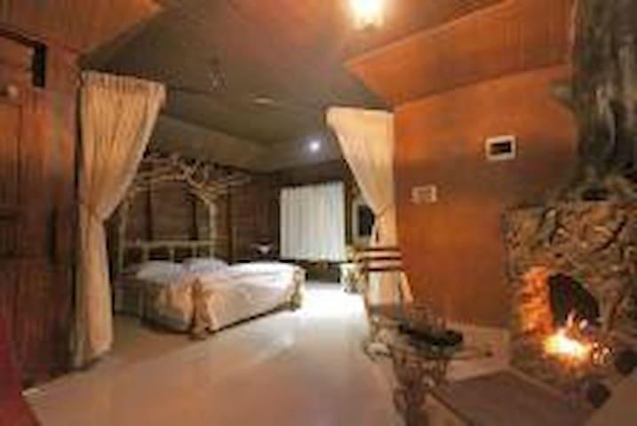 Pugmarks Jungle Lodge Cedar Suite 2 - Wayanad - Casa