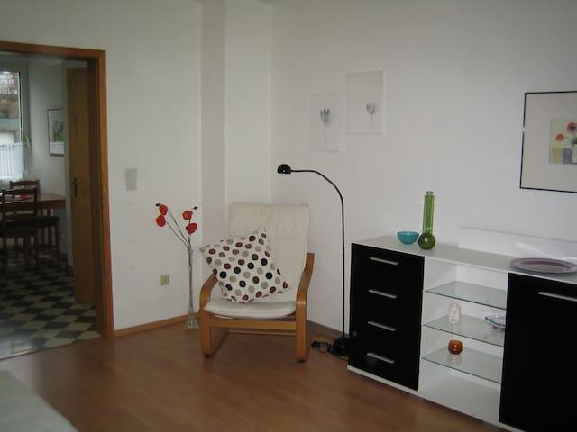 Gemütliches 2-Zimmer Apartment - Wülfrath - Osakehuoneisto