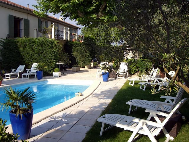 Old Lodging and pool in Provence GL - Cabannes - Flat