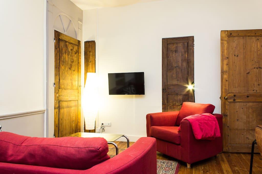 Charmant f3 au centre historique appartements louer for Appartement meuble grenoble louer
