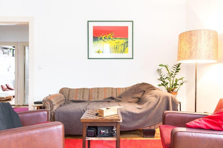 Bright flat by Tempelhofer Feld