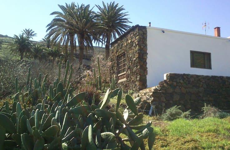 Habitación en Casa ENTREPALMERAS