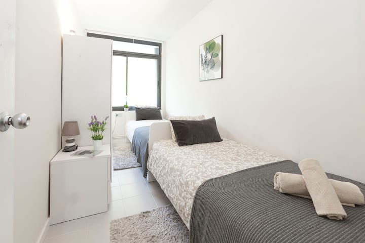 Twin room for 2 persons in the center Barcelona!