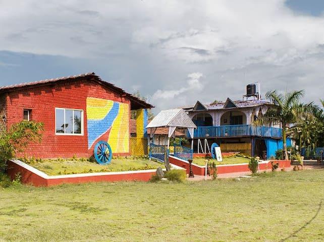 The Village - Majivali - Naturstuga
