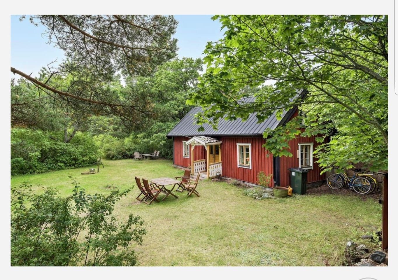 Niklastorpet - genuine small farmhouse originating in the 18th century. Dining room still with original wooden walls, renovated kitchen and sleeping loft