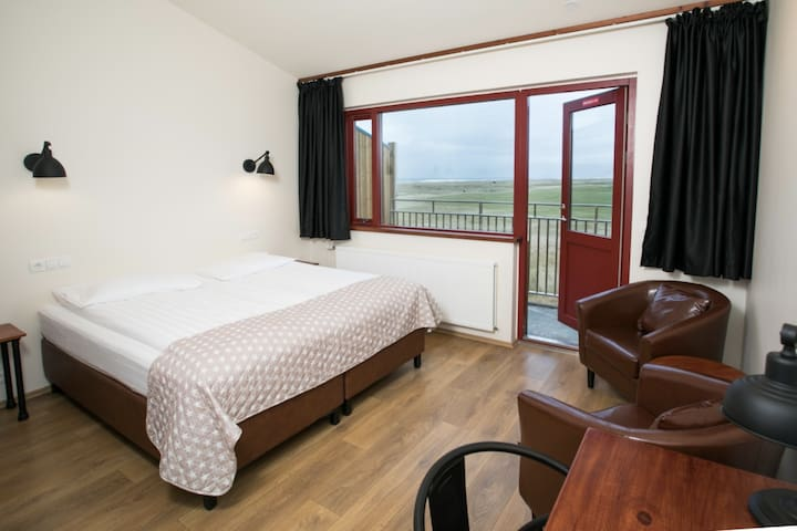 Langaholt - Comfort Double or Twin Room with Balcony, Glacier and Sea View