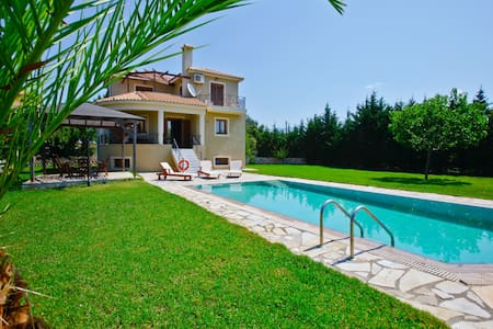 Villa Chloe, Sarlata, Kefalonia, Greece - Svoronata