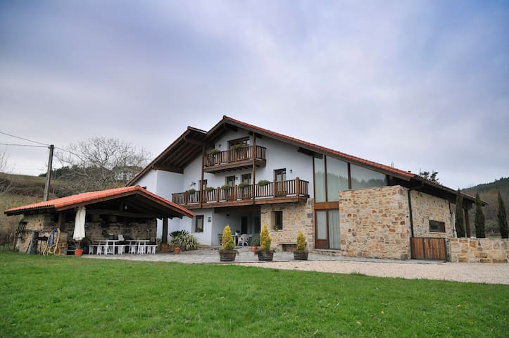 Beautiful Rural house near Bilbao - Mungia