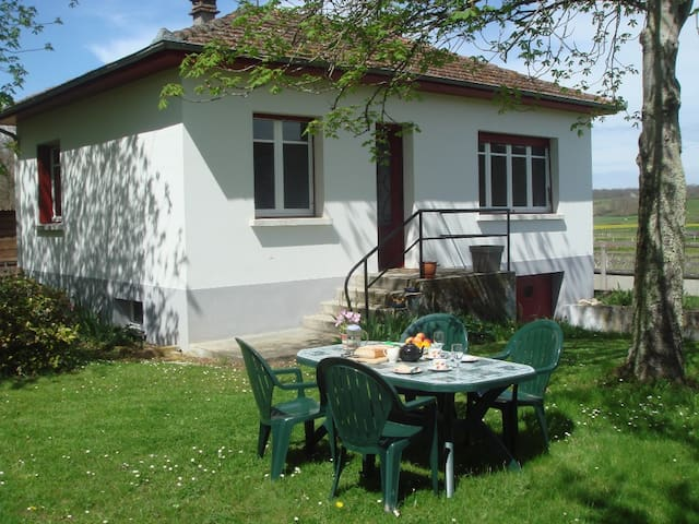 Holidays in the Haute-Pyrenees - Pouy - Bungalow