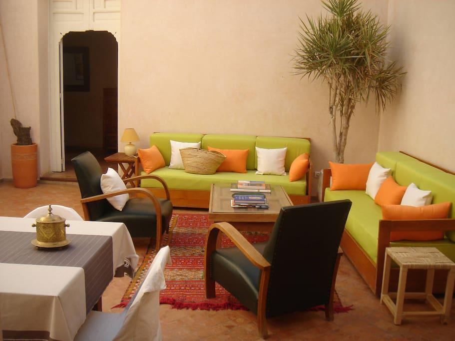 Maison enti re dans la kasbah des oudayas maisons for Chambre entiere